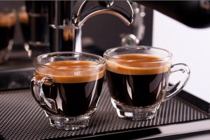 Cà phê giúp bảo vệ gan khỏi tác hại của bia r�...